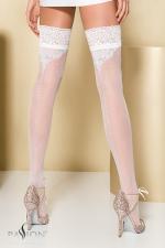Bas Autofixants Coutures Blancs Travesti : Bas coutures blancs autofixants travesti.e souligné de Lurex argenté, de plumetis sur les cuisses et d'arabesques. La couture en pointillés affine vos jambes. Ces bas en lycra sont autofixés, ils sont chics et agréable.
