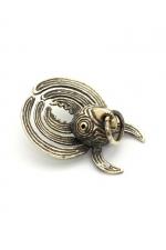 Bijou Pince à Sein Homme Rosebuds Chooka : Une superbe pince à sein en bronze pour homme en forme d'oiseau pour prendre son pieds. Fabriqué par les artisans de Rosebuds, Chooka est un animal mythique et très sexuel !
