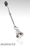 Pince Ajustable Clochette - Pince ajustable avec une clochette à fixer sur les seins ou le pénis. Cette pince sonne au moindre mouvement du soumis et s'ajuste par un maillon coulissant. Pour de nouveaux jeux !