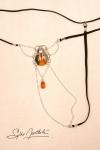 String Scarabée Sacré Plaqué argent - Un string bijou plaqué argent pour travesti, il habille votre sexe et vous fait une belle paire de fesses.
