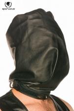 Cagoule Spartacus Bag Style Hood : Une cagoule en cuir noir opaque en forme de sac : fermeture solide avec un cadenas à la base du cou, le début d'une séance peu ordinaire pour le soumis !