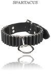 Collier cuir Woven - Un collier SM pour votre esclave avec un anneau pour l'attacher. Il est composé d'anneaux d'acier reliés par un cuir solide. Disponible en 2 tailles.