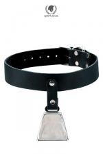 Collier avec Cloche Bell Collar Spartacus - Un collier en cuir Spartacus avec une cloche qui sonne au moindre mouvement du chien : surveillez votre soumis à distance sans vous fatiguer. Parfait pour une séance de dressage, d'attente ou d'immobilisme imposé.