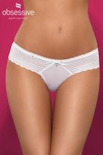 String Blanc pour Sissy Sensita - Ravissant string blanc pour sissy qui attire les regards avec ses rayures blanches horizontales et un petit bijou sur l'avant. Très féminin avec ses petites bordures en dentelle, il est féminin, sexy et charmant ! Tissu extensible et confortable.