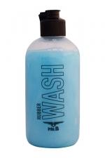 Nettoyant Latex et Caoutchouc Mister B Wash 250 ml : Mister B Rubber Wash 250 ml pour laver et désinfecter le latex et le caoutchouc à la main ou en machine tout en ralentissant son vieillissement. Ce détergent fonctionne avec vos sextoys, vêtements et sous vêtements en latex.