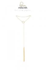 Collier Fouet pour Sissy en Chainettes Métalliques Dorées : Ce bijou est tout à la fois un collier en métal très chic et érotique et un fouet au manche fin pour corriger l'esclave. Fabriqué sans nickel, ce bijou SM pour sissy est à utiliser pour ramener l'esclave à sa place.