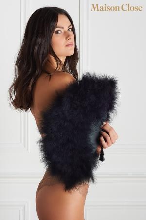 Eventail en Plumes pour Travesti Maison Close Le Soupirant - Eventail précieux en plumes pour travesti, un accessoire pour cacher, caresser, rafraîchir. Fabriqué par Maison Close