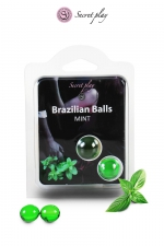 2 Boules Brésiliennes Lubrifiantes Parfum Menthe Secret Play : 2 boules brésiliennes lubrifiantes à la menthe pour lubrifier votre anus avant la sodomie. Elles fondent et donnent un lubrifiant à l'odeur de menthe pour des jeux gays érotiques et une délicieuse pénétration sans capote !