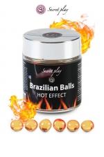 6 Boules Brésiliennes Chauffantes et Lubrifiantes Secret Play : 6 boules brésiliennes chauffantes et lubrifiantes pour accroitre le plaisir lors de la pénétration. Les Brazilians Balls fondent et libèrent une huile hydratante pour avoir un anus tout chaud, excitant et dilaté par la chaleur. Fabriqué au Brésil.