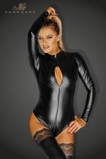 Body Couvrant Manche Longue pour Travesti  - Body manche longue en wetlook noir moulant. Ses 3 zips permettent de dévoiler votre poitrine ou votre corps. Finition culotte coupée et échancrée pour cacher votre sexe. Disponible en grande taille du S au 3 XL