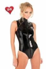 Body Vinyle Grande Taille pour Travesti Honour Sleeveless - Body en vinyle disponible jusqu'au 4XL ou taille 48. Sans manches, il vous dessine une ligne parfaite. Son long zip permet de l'enfiler facilement. Pour femme et travesti.