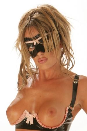 Masque en Latex pour Travesti Honour Frilled Nymph - Masque en latex préformé bicolore haut de gamme fabriqué par Honour. Il est décoré d'une fronce.