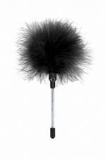 Plumeau à Chatouilles Noir Sweet Caress : Petit plumeau pour chatouiller et caresser le corps de votre homme, fabriqué en plumes de dinde. Fabriqué par Sweet Caress.