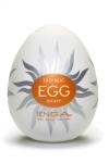 Masturbateur Tenga Egg Shiny - Masturbateur Tenga Egg Shiny : cet oeuf possède une texture interne en forme de soleil. Vous sentez ce plaisir qui rayonne en vous maintenant qu'il va et vient sur votre verge ? Vous voyez votre sexe qui se dresse, fou de désir ?