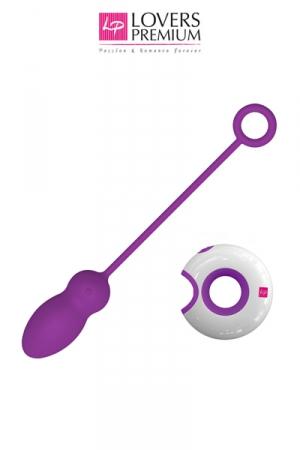 Oeuf Vibrant Gay Télécommandé - Oeuf vibrant gay haut de gamme qui se télécommnde à distance. Recouvert de silicone doux et disposant de 7 modes de vibration avec 2 puissants moteurs. Grande tige avec anneau. Forme de plug.