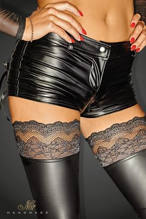Short Zip Ouvert pour Travesti - Short sexy pour travesti avec une ouverture à double zip. Le wetlook moulant arrondit vos fesses et met en valeur vos formes avec sa taille basse. Ceinture à passants. Disponible en grande taille du S au 3 XL.