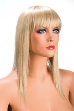 Perruque Blonde Longue World Wigs Allison - Perruque longue de couleur blonde fabriquée en cheveux synthétiques hyper réalistes : on dirait de vrais cheveux. Frange longue et coupe effilée pour vous féminiser. Fabriqué par World Wigs