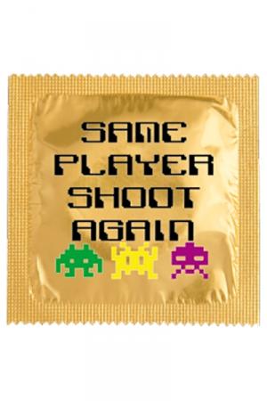 Préservatif Same Player Shoot Again - Parce que vous adorez faire l'amour au moins deux fois, faites le savoir avec cette capote française à l'emballage humoristique ! Fabriquée par Callvin en latex.