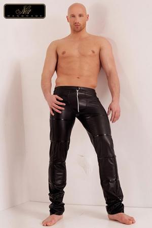 Pantalon zippé Groove - Pantalon zippé en wetlook mat à la coupe structurée, décoré de minces bandes vinyle surpiquées.