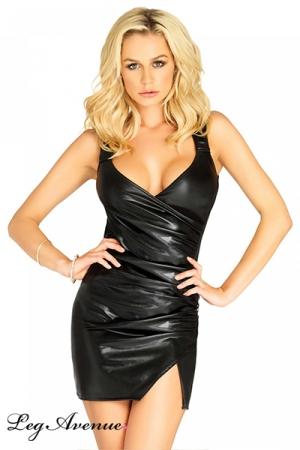 Petite Robe Noire Courte et Moulante pour Travesti Leg Avenue Emma - Fabriquée en wetlook lamé, cette petite robe noire courte et moulant pour travesti Leg Avenue Emma est fendue au niveau de la cuisse et possède un décolleté pigeonnant. Pour attirer les hommes par votre allure féminine.