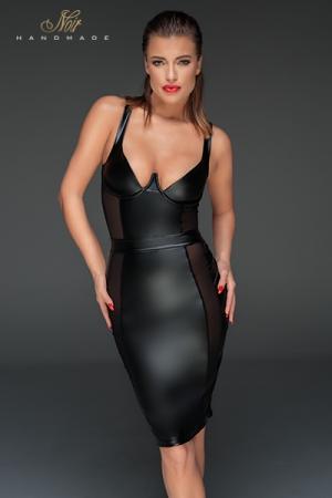 Robe Fourreau Moulante en Wetlook Noir Handmade - Une robe fourreau pour travestie fabriquée en wetlook noir : très moulante, elle possède sur ses côtés des incrustations de tulle transparent et un profond décolleté. Disponible en grande taille jusqu'au XXXL.