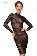 Robe Fourreau Vintage Rayée pour Sissy - Robe mi-longue moulante pour sissy, conçue en tulle transparent rayé, manches longues et col ras du cou. Elle cache autant qu'elle dévoile. Fermeture par un bouton derrière le cou. Ouverture dans le dos. Fente de marche.