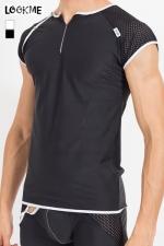 Tee Shirt Homme Sexy Mixing - T-shirt aux manches en résille et corps en lycra moulant. Trois boutons pressions ornent l'épaule droite pour l'enlever aisément ou accéder à vos tétons. Il se marie très bien avec la lingerie Mixing associée.