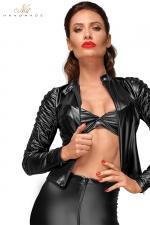 Blouson Cintré Moulant pour Travestie - Blouson moulant et cintré pour travestie. Souligne la féminité de votre silhouette. Sa coupe et ses plis cousus main sur les manches donnent un style unique et sexy à votre tenue. Pour une sissy bad girl.